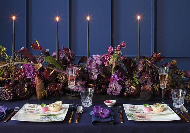 Une décoration de table de Noël ultra fleurie