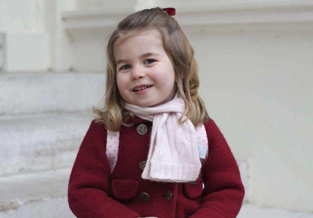 A 2 ans, la princesse Charlotte serait déjà bilingue !