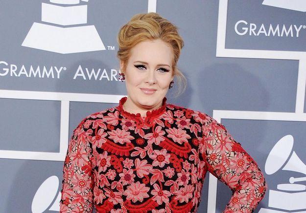 Adele écrit une lettre poignante à ses fans pour annoncer 25, son nouvel album