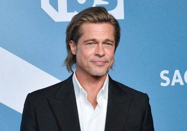 BAFTAs 2020 : Brad Pitt ose une blague sur le prince Harry face à Kate et William