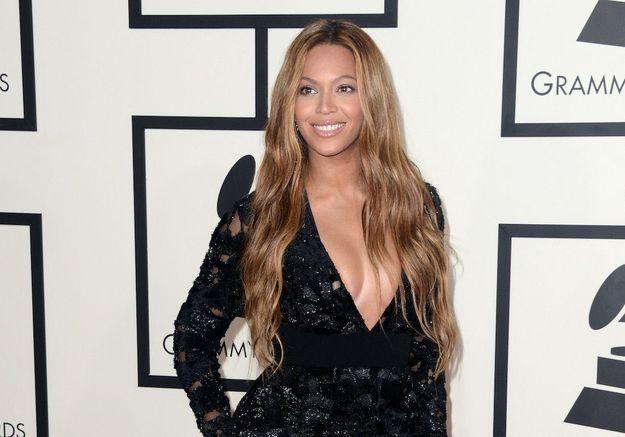 Beyoncé : de nouvelles images de ses jumeaux dévoilés dans un clip pour célébrer la nouvelle année