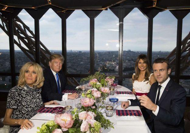 Le dîner au restaurant Jules Verne