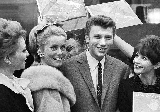 Catherine Deneuve et Johnny Hallyday : la vérité sur leur relation cachée qui a duré des années