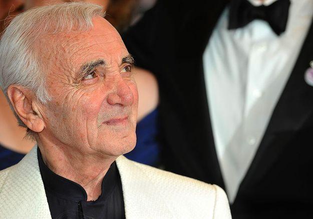 Charles Aznavour : une journaliste se réjouit de sa mort et crée l'indignation