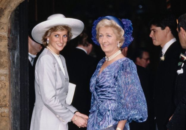 Charles Spencer, le frère de Lady Di, dévoile un rare portrait de leur mère