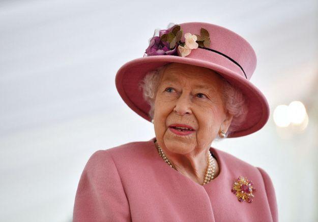 Covid-19 : Elizabeth II rompt avec les traditions et reste à Windsor pour Noël