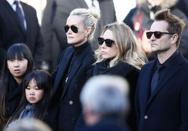 "David Hallyday : il prend la défense de Jade et Joy "" mes deux petites soeurs """