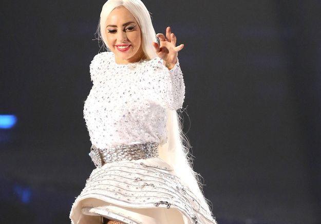 Découvrez la robe la plus dingue de Lady Gaga!