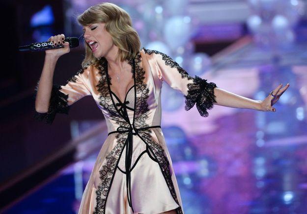 Taylor Swift au défilé Victoria's Secret 2014