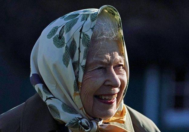 Elisabeth II : elle reçoit un très beau cadeau lors de la visite d'une école
