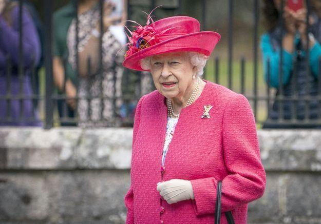 Elisabeth II face à un nouveau scandale : un garde royal arrêté pour agression sexuelle