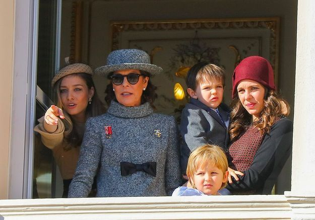 Avec sa grand-mère, Caroline de Monaco