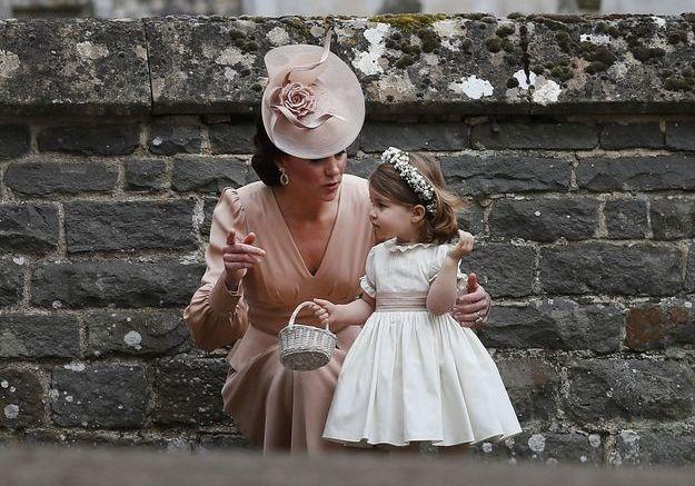 Kate Middleton et la princesse Charlotte au mariage de Pippa Middleton en 2017