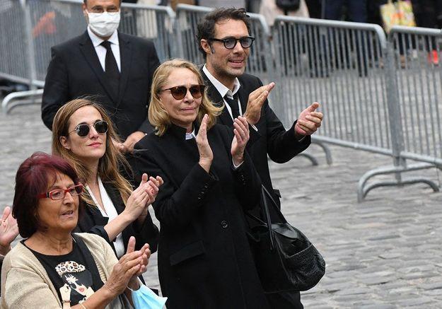 Guy Bedos : l'hommage de Nicolas et Victoria Bedos aux obsèques de leur père