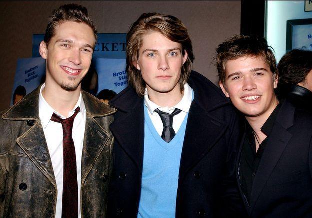 Hanson : les célèbres frères ont bien grandi et présentent leurs enfants dans un clip