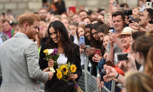 La duchesse de Sussex est repartie avec plusieurs bouquets de fleurs