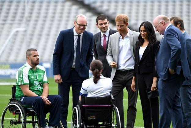 Le couple a pu discuter avec des joueurs de football gaélique