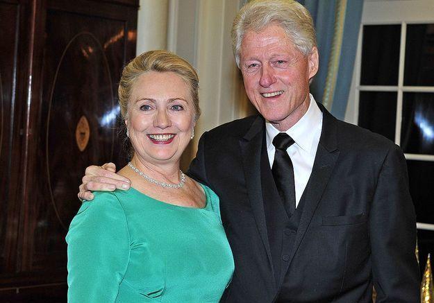 Hillary Clinton apparaît de plus en plus fréquemment avec les cheveux relevés