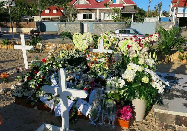 Johnny Hallyday : à Saint Barth, la tombe du rockeur fait du bien à l'économie