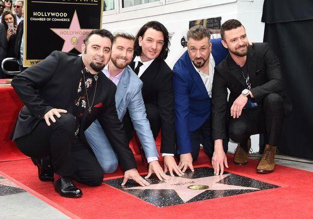 Comme le veut la tradition, le groupe a pris la pose à côté de son étoile