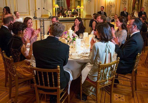 A la table des Cambridge, Jean Reno et Kristin Scott Thomas
