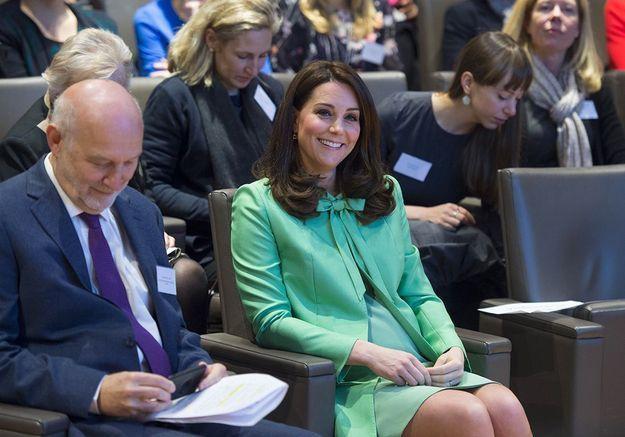 La duchesse de Cambridge assiste à un congrès à la Royal Society of Medecine