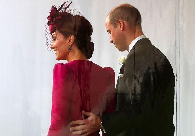 Kate Middleton : main sur la cuisse du prince William, un couple très tactile au mariage de la princesse Eugenie