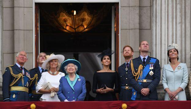 La famille royale réunie sur le balcon de Buckingham Palace