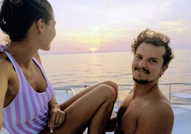 Coucher de soleil en amoureux pour Laury Thilleman et Juan Arbelaez