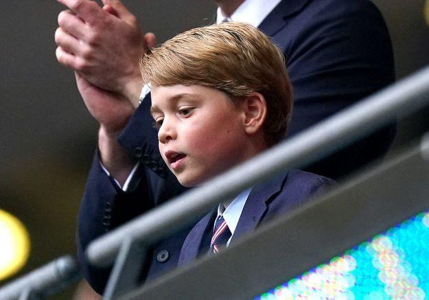 Le comportement du prince George lors de l'hymne national anglais a beaucoup fait rire les internautes