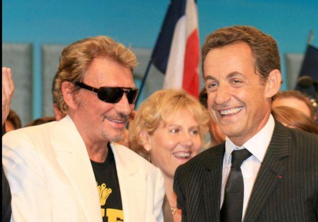 Johnny Hallyday : le jour où il a accompagné Nicolas Sarkozy se faire tatouer