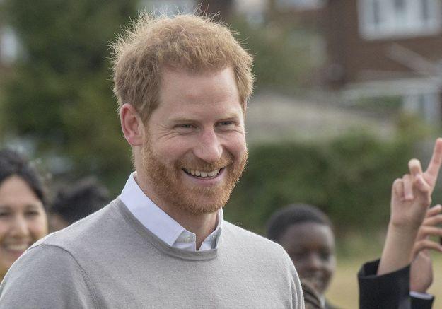 Le prince Harry s'affiche en supporter de l'équipe anglaise de rugby