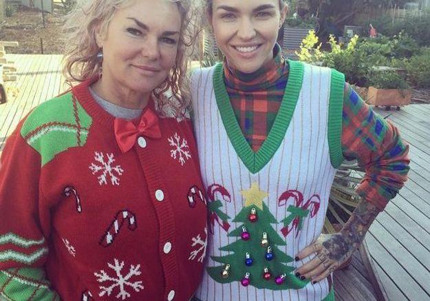 Le pull de Noël de Ruby Rose et sa mère