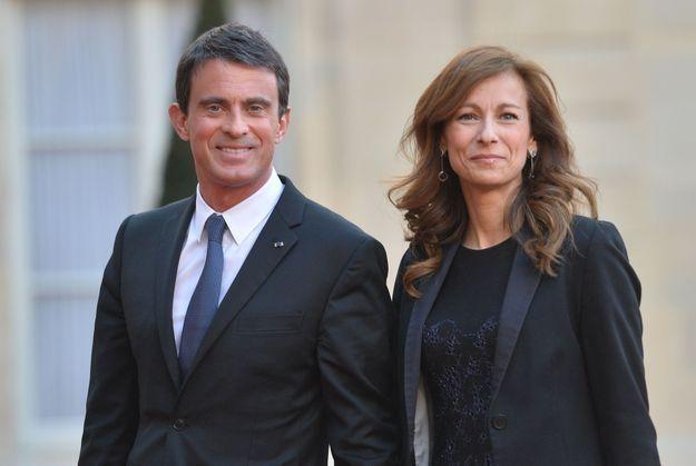 En 2010, Manuel Valls épouse la violoniste Anne Gravoin. Ils se séparent en avril 2018
