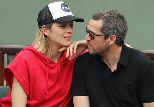 Marion Cotillard et Guillaume Canet : plus complices et amoureux que jamais à Roland-Garros