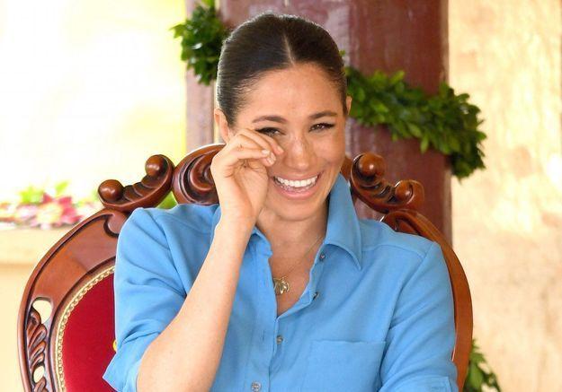 Meghan Markle : son fou rire aux larmes devant une danse « anti-moustique » aux îles Tonga vaut le détour