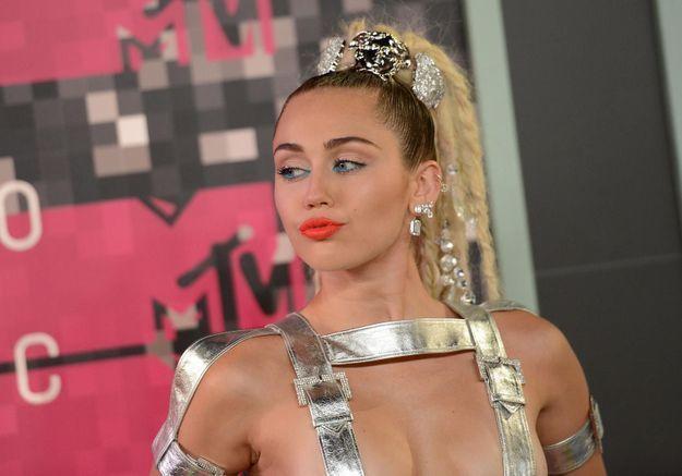 Miley Cyrus ne compte pas rejoindre le « squad » de Taylor Swift
