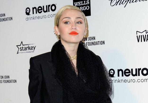 Miley Cyrus s'en prend à Taylor Swift et son clip «Bad Blood»