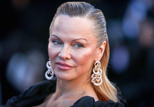 Mondial 2018 : le cliché très sexy de Pamela Anderson pour féliciter les Bleus