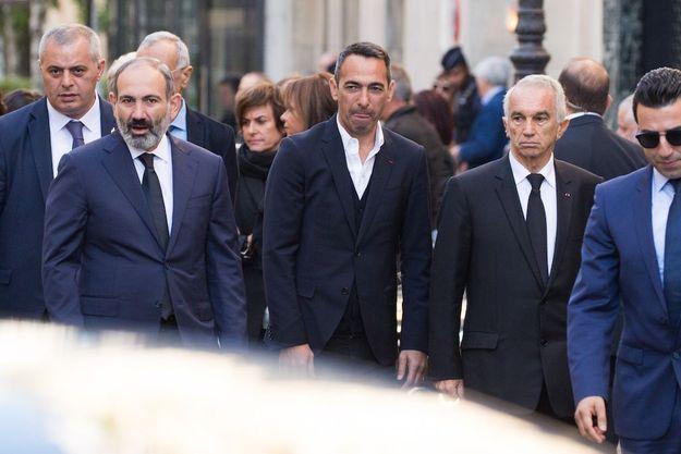Le premier ministre arménien, Youri Djorkaeff et Alain Terzian aux obsèques de Charles Aznavour