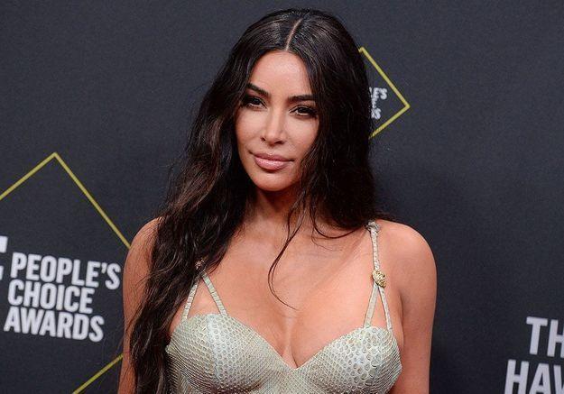 Oubliez Bridgerton, Kim Kardashian a une nouvelle série préférée !