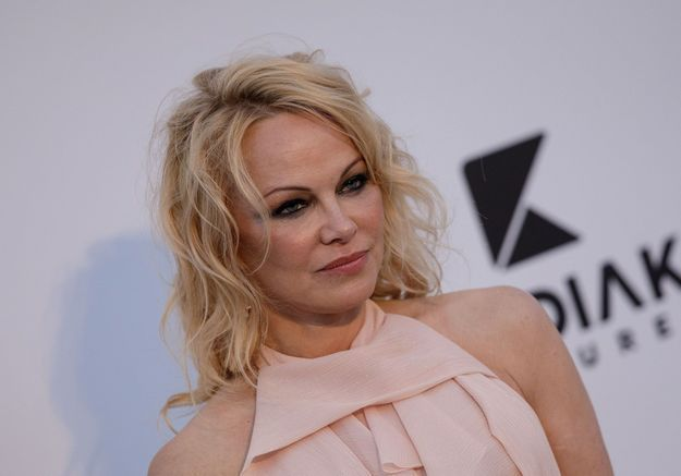 Pamela Anderson dévoile ses lettres échangées avec l'ex d'Adil Rami