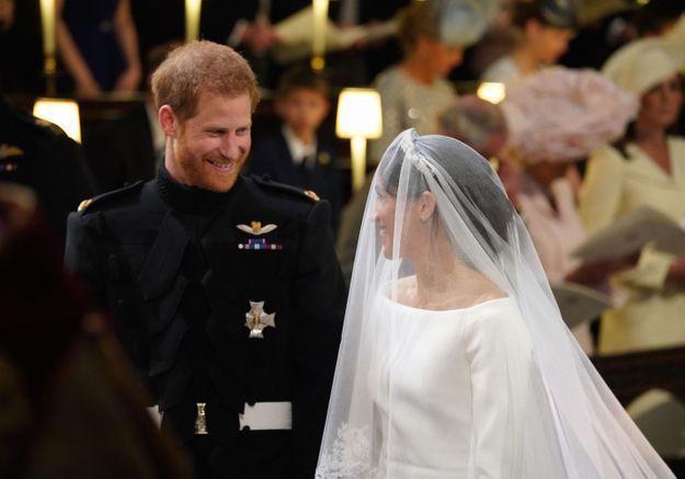 PHOTOS – Mariage du prince Harry et Meghan Markle : sourires complices et regards tendres, les mariés plus amoureux que jamais