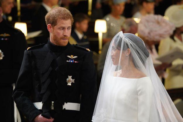 Le prince Harry n'a pas quitté son épouse du regard