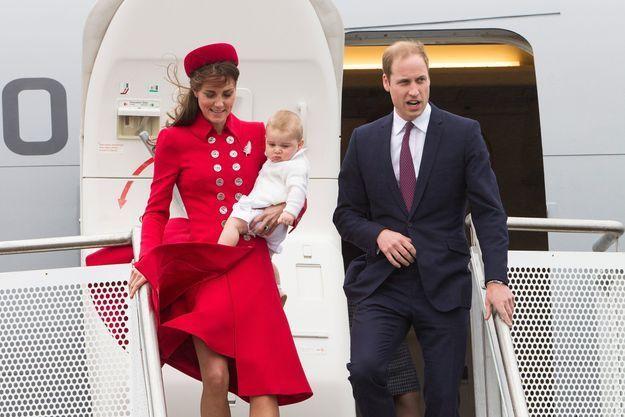 Premier voyage officiel pour le prince George… et première polémique
