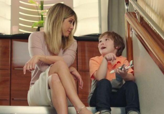 #PrêtàLiker : Jennifer Aniston se reconvertit en baby-sitter de choc !