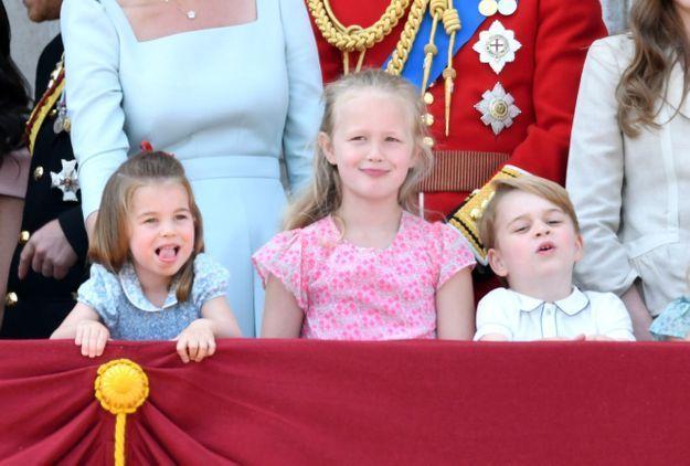 Du haut du balcon, les enfants royaux ont enchaîné les grimaces