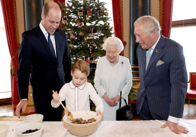 Prince George : il prépare le repas de Noël avec William, la reine et le prince Charles