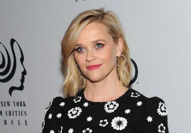 Reese Witherspoon « terrifiée » à l'idée de devenir mère à 22 ans