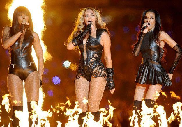"Les Destiny's Child reprennent ""Independent Women""."